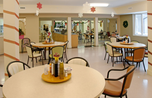 senior home dining room at christmas